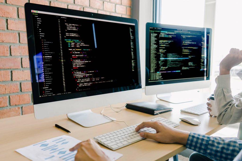 Les avantages de la sous-traitance informatique