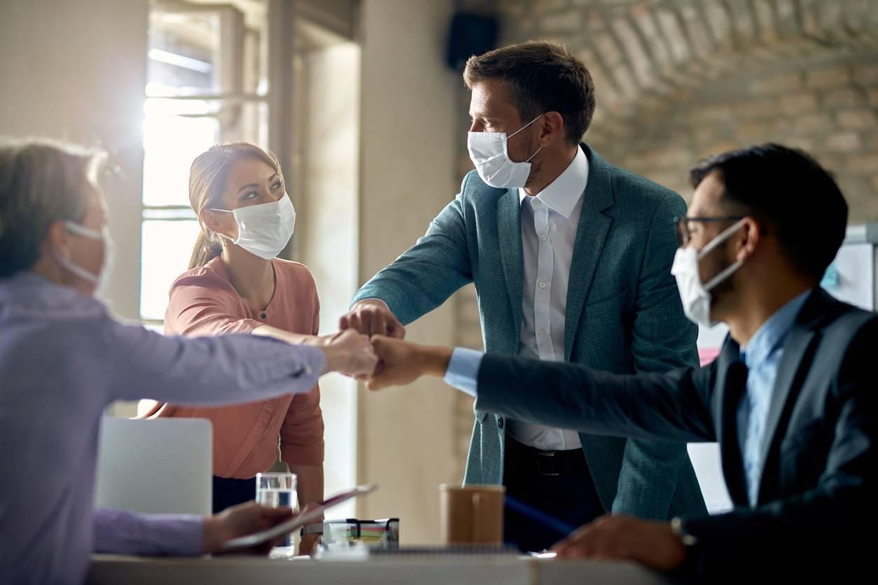 covid-19 réunion masque protection travailleurs pandémie
