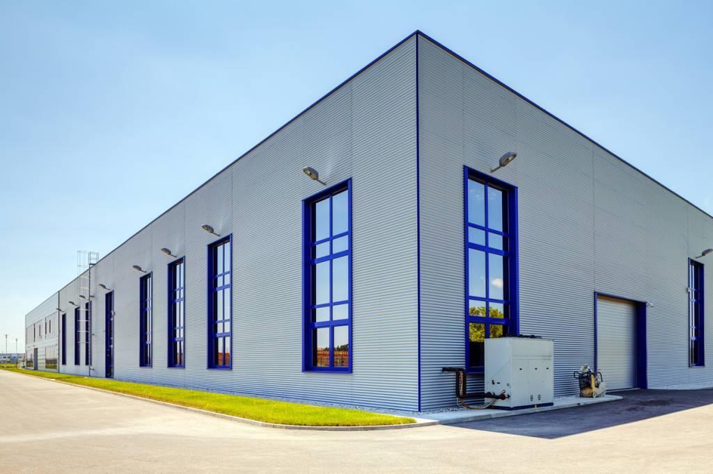 façades aluminium bâtiments professionnels